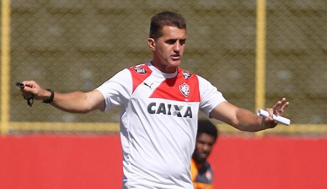 Técnico Mancini escondou o time em treino secreto no Barradão - Foto: Eduardo Martins | Ag. A TARDE