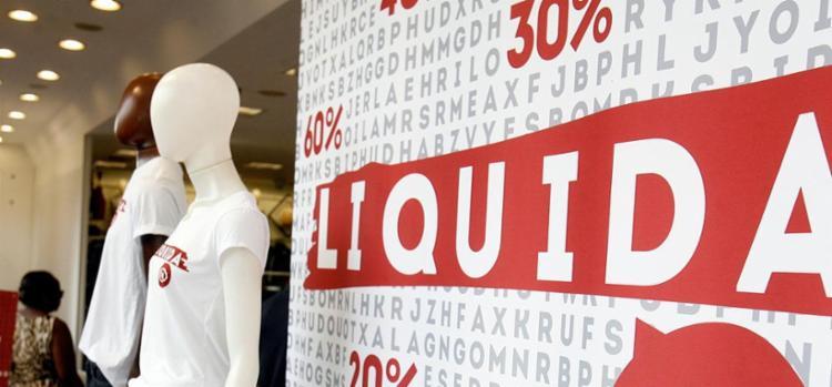Lojas de calçado e vestuário usam promoção para diminuir estoque - Foto: Luiz Tito | Ag. A TARDE
