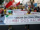 Passeatas em Salvador afirmam orgulho de ser negro - Foto: Mila Cordeiro l Ag. A TARDE