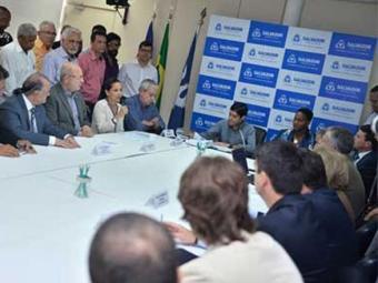 A ação é feita em parceria com dirigentes lojistas, visando também alavancar as vendas - Foto: Max Haack l Agecom l Divulgação