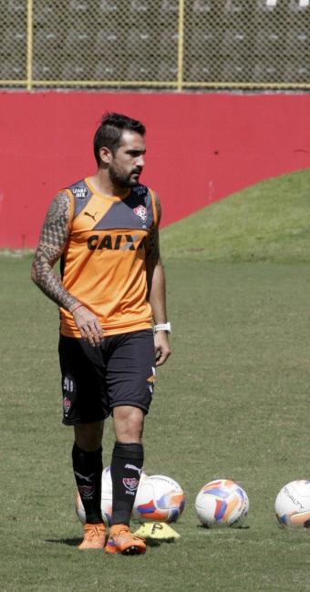 Escudero ficou fora das duas últimas partidas por causa de um edema na coxa - Foto: Luciano da Matta   Ag. A TARDE   07.08.2015