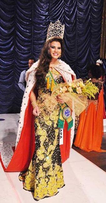 Alice Pontes venceu competição disputada no Teatro Vila Velha - Foto: Genildo Coutinho   Site Dois Terços