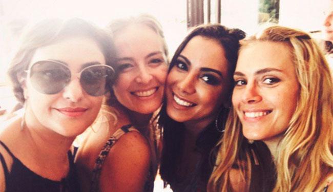 Grazi e Anitta foram algumas das famosas que compareceram à festa - Foto: Reprodução | Instagram