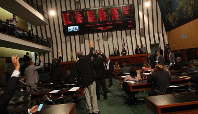 Governo estadual considera importante que deputados aprovem as matérias para equilibrar as contas - Foto: Margarida Neide l AG. A TARDE l 20.10.2015