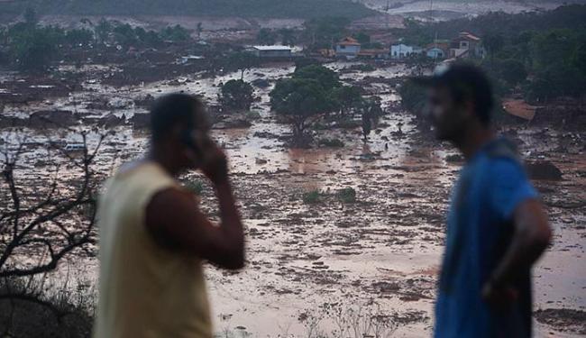 Vista dos estragos provocados no subdistrito de Bento Rodrigues, em Mariana (MG) - Foto: Hugo Cordeiro l Agência Nitro l Estadão Conteúdo