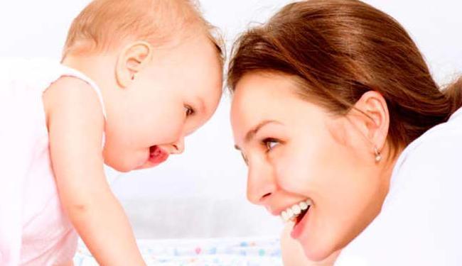 Pesquisa: 89% das brasileiras falaram que a principal atividade realizada com os bebês é a conversa - Foto: Reprodução