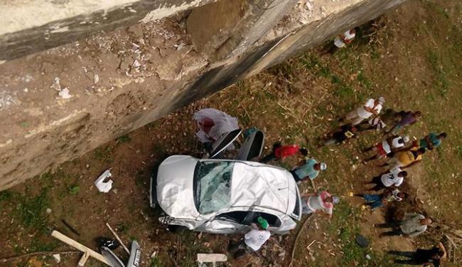 O veículo caiu de uma ponte proxima ao município de Teolândia - Foto: Divulgação / Giro Ipiaú