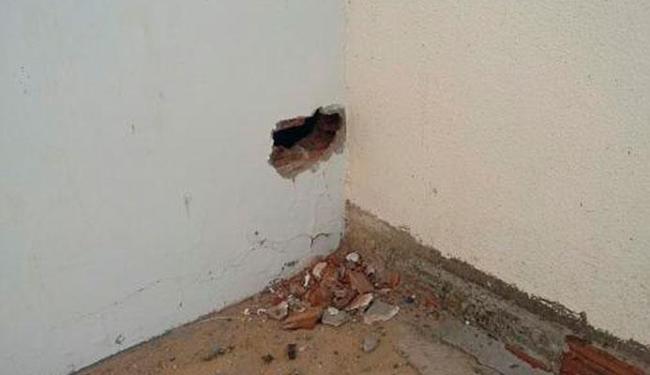Presos começaram a fazer o buraco e os policiais ouviram o barulho - Foto: Wilker Porto | Brumado Agora