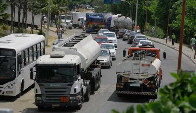 Expectativa é que ligação entre rodovias acabe com os constantes engarrafamentos na região - Foto: Joa Souza | Ag. A TARDE