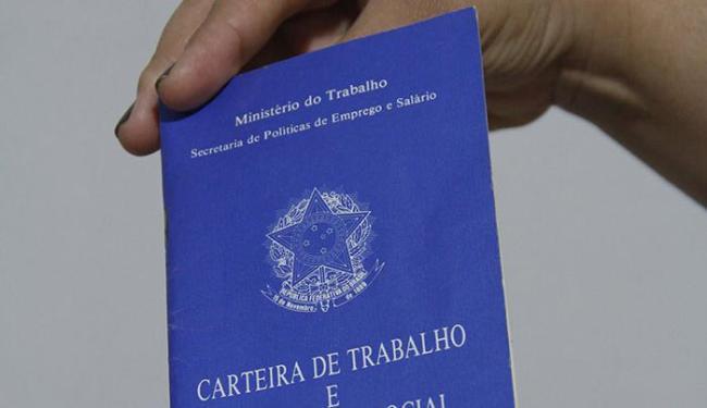 As vagas estão distribuídas em 21 cargos; para se candidatar a vendedor, não é preciso experiência - Foto: Joá Souza | Ag. A TARDE