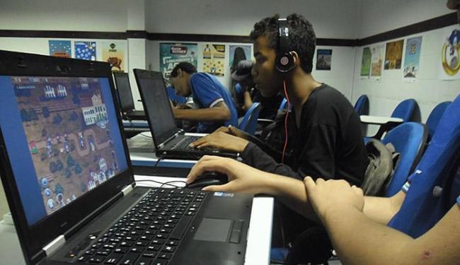 Centro Juvenil de Ciência e Cultura: alunos usam games para aprender temas como a Revolta dos Búzios - Foto: Divulgação l SEC