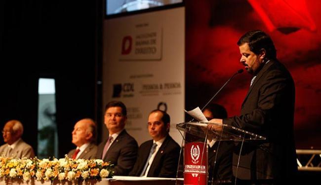 César de Faria Jr., durante encontro, realizado na Casa do Comércio, na Av. Tancredo Neves - Foto: Raul Spinassé l Ag. A TARDE