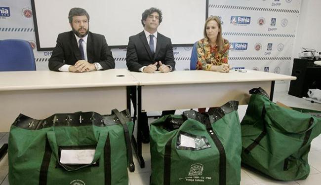 Representantes do órgãos, Marcelo Sanfront, Luiz Alberto e Sheila Meireles detalharam as fraudes - Foto: Luciano da Matta | Ag. A TARDE