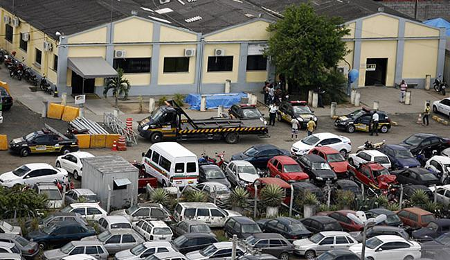 Irregularidades estariam ocorrendo com carros apreendidos por órgão de trânsito - Foto: Luiz Tito l Ag. A TARDE