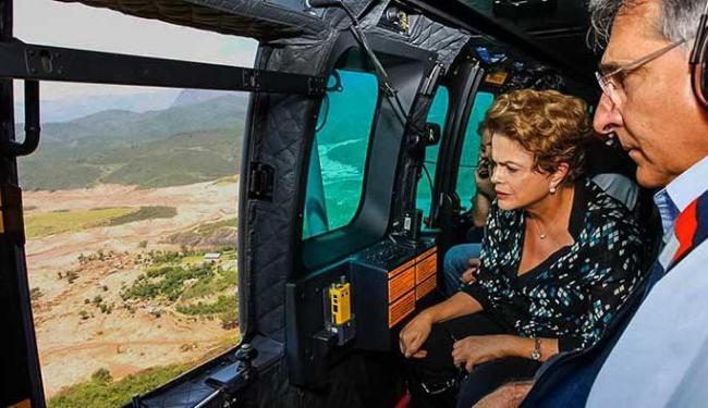 Presidenta sobrevoou região inundada por barragens - Foto: Reprodução   Facebook