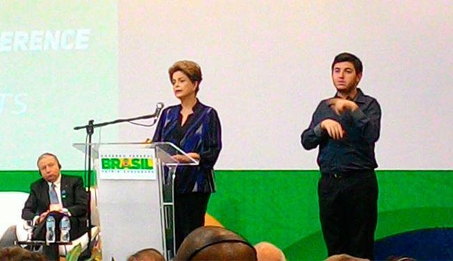 Dilma abriu evento sobre segurança no trânsito - Foto: Luan Santos   Ag. A TARDE
