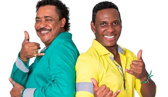 Compadre Washington e Beto Jamaica fazem show com antigos e novos sucessos do grupo - Foto: Divulgação