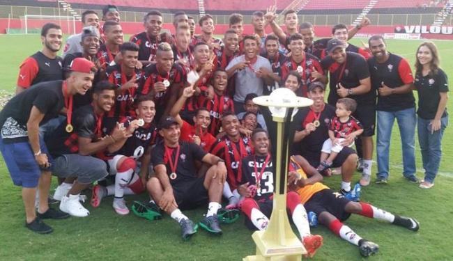 Jogadores do Leão comemoram após o título - Foto: Divulgação | EC Vitória