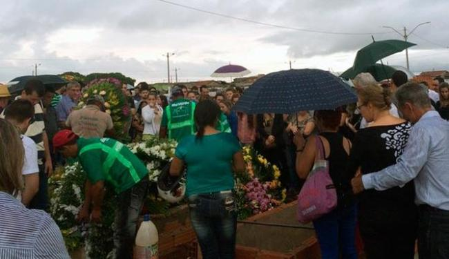 O corpo do piloto foi enterrado na cidade de Rio Verde, onde ele morava - Foto: Reprodução | TV Anhanguera