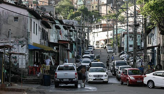 Entrada da Vila Viver Melhor, local do crime. Ninguém foi preso - Foto: Lúcio Távora   Ag. A TARDE