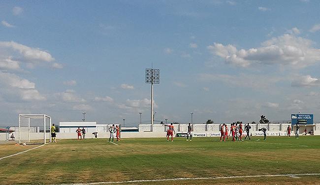 Com o Joia da Princesa em obras, jogo aconteceu no Eliel Martins - Foto: Divulgação l Fluminense de Feira FC