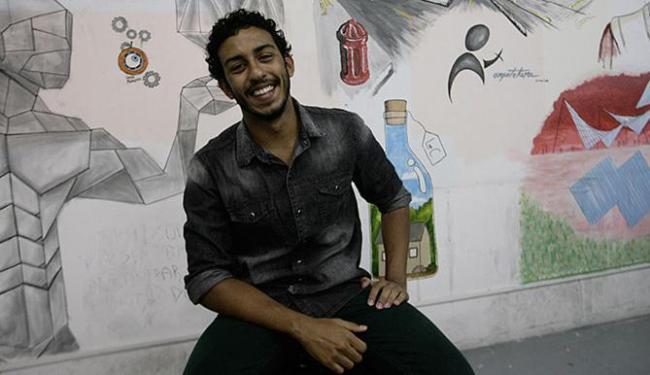 O estudante de arquitetura da Unifacs Nuno Moreira, 23, é bolsista de iniciação científica pela 3ª v - Foto: Margarida Neide l Ag. A TARDE