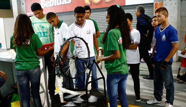 Trabalhos da área científica também tiveram espaço garantido na edição 2014 de eventos simultâneos - Foto: Marco Aurélio Martins l Ag. A TARDE l 28.10.2014