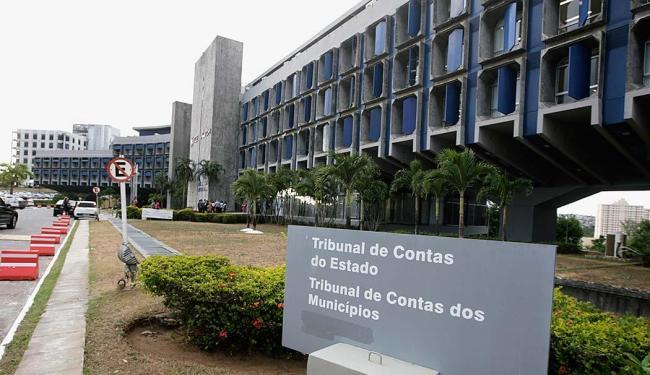 Fachada do prédio do TCM no Centro Administrativo da Bahia - Foto: Joá Souza | Ag. A TARDE | 10.11.2015
