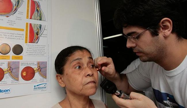 O exame de fundo de olho, ou fundoscopia, é apenas para pacientes diabéticos - Foto: Marco Aurélio Martins | Ag. A TARDE
