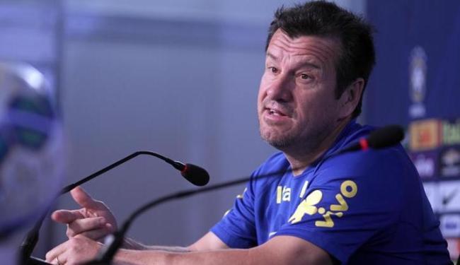 O treinador admitiu que ultimamente passou a estudar mais os adversários - Foto: Lúcio Távora | Ag. A TARDE