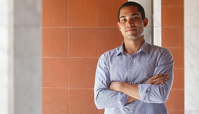 O estudante Hugo Novais concorre na categoria Ciência e Inovação com o projeto MoscAtrativo - Foto: Raul Spinassé l Ag. A TARDE