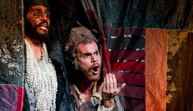 João Guisande e Danilo Cairo em cena da peça - Foto: Diney Araújo | Divulgação
