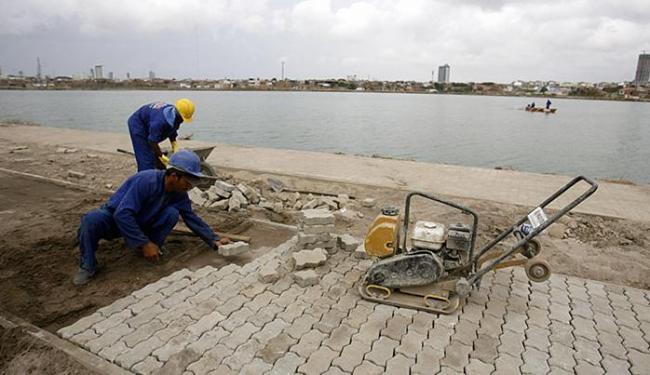 Serviços de infraestrutura, urbanização e requalificação são feitos no entorno - Foto: Luiz Tito l Ag. A TARDE