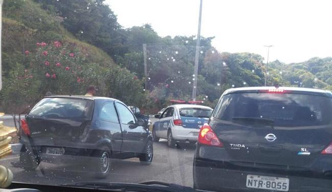 Acidente deixou o trânsito congestionado na região - Foto: Cidadão Repórter | Via WhastApp