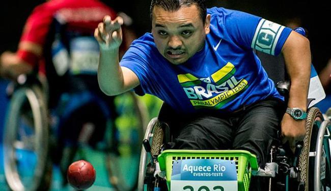 Ouro em Londres-2012, Maciel de Souza arremessa bola no Rio - Foto: Daniel Zappe l Mpix l CPB