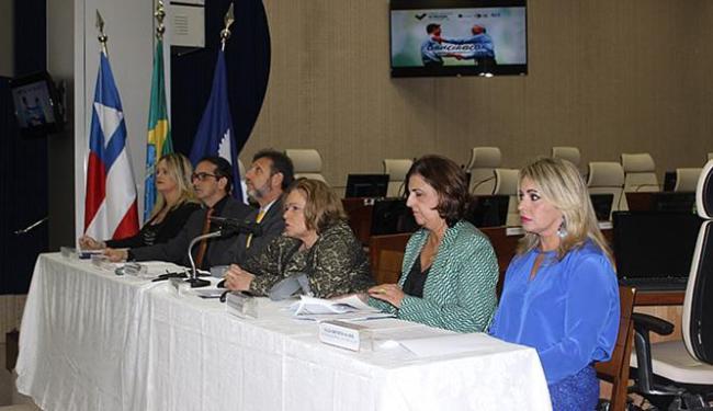 Presidente do TRT-BA, Maria Adna Aguiar (C) anunciou evento em coletiva na terça - Foto: Franklin Carvalho l Secom – TRT5
