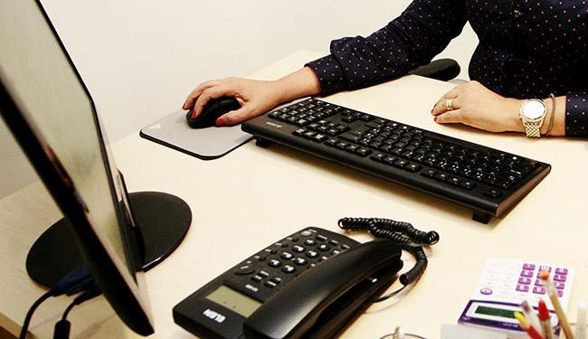 As vagas estão distribuídas em 21 cargos; para o de secretária, não é necessário experiência - Foto: Mila Cordeiro | Ag. A TARDE