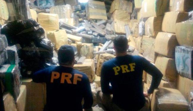 O caminhão foi interceptado no Km 386, da BR-116, às 2h30 da manhã - Foto: Divulgação Policial Rodoviária Federal