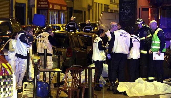 Mais de 100 pessoas morreram em ataques após explosões e tiroteios - Foto: Philippe Wojazer | Reuters