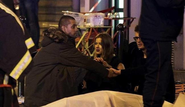 Dezenas de pessoas foram mortas e outras ficaram feridas em atentados em Paris, na França - Foto: Philippe Wojazer   Reuters