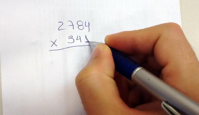 Maioria dos adultos com mais de 25 anos não sabe fazer operações matemáticas simples - Foto: Thaís Seixas | Ag. A TARDE