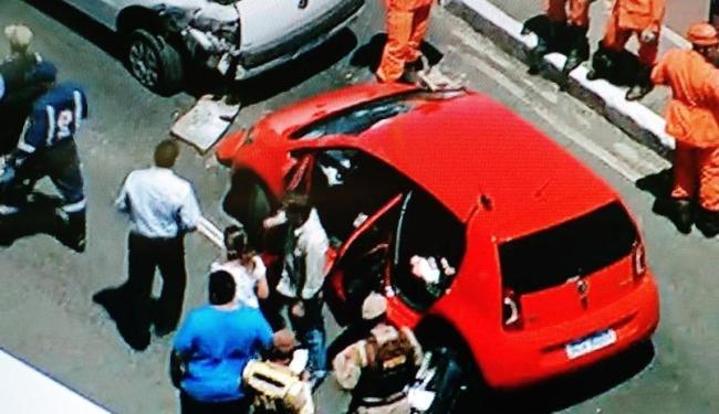 Um dos carros envolvidos no acidente - Foto: Reprodução | TV Record