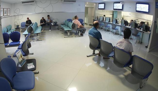 Operadoras ficam impedidas de receber novos clientes nos planos suspensos - Foto: Lúcio Távora   Ag. A TARDE   25.04.2013