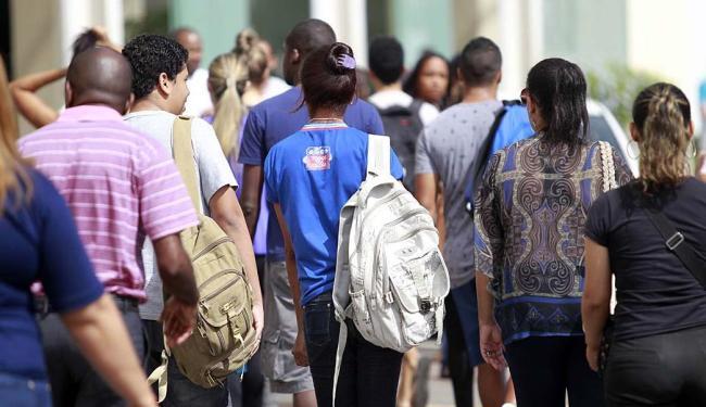 O país teve um crescimento populacional de 0,9% em relação a 2013, ou 1,7 milhão de pessoas - Foto: Raul Spinassé | Ag. A TARDE