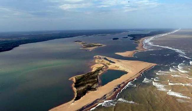 O município de Linhares interditou duas praias da foz do Rio Doce - Foto: Fred Loureiro   Secom/ES   Divulgação