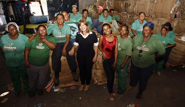 Projeto da professora Mª da Conceição aborda a inclusão produtiva dos catadores - Foto: Luiz Tito l Ag. A TARDE