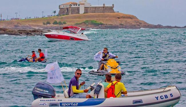 Pilotos fizeram percurso que incluiu pontos turísticos da Bahia - Foto: Auremar Santos l Divulgação