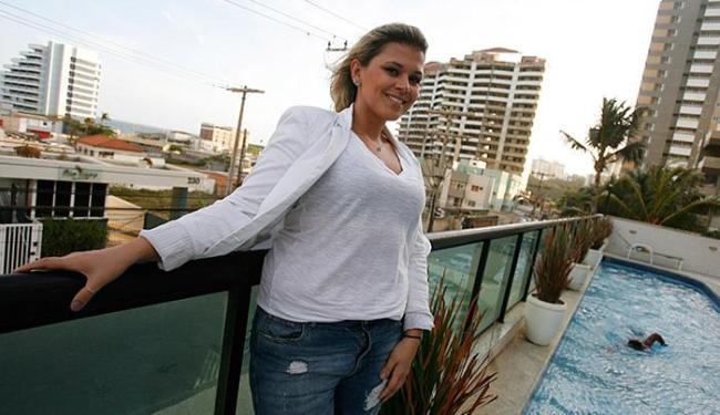 Moradora de Armação, Raquel planeja sair do aluguel e comprar casa no bairro - Foto: Mila Cordeiro l Ag. A TARDE