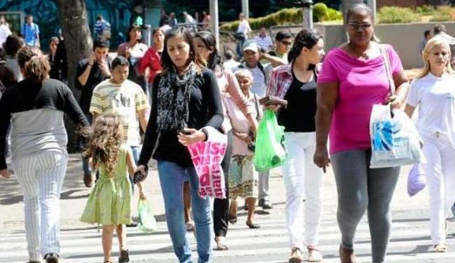 Rendimento médio mensal real, ou seja, descontada a inflação, foi R$ 1.480 entre as mulheres - Foto: Arquivo | Agência Brasil