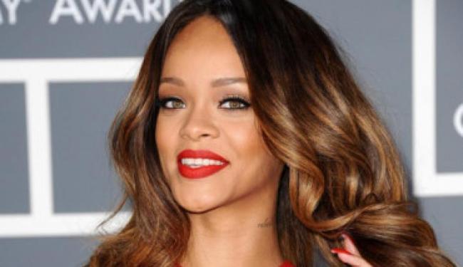 A marca, será lançada no primeiro semestre de 2016 - Foto: Rihanna